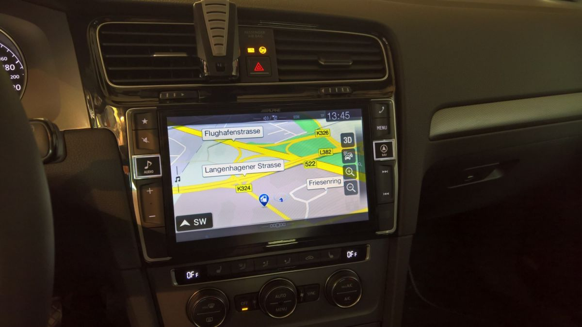 VW Golf  Navigation50